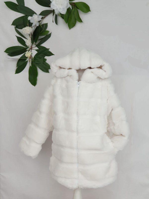 Manteau fourrure blanc 35 euros