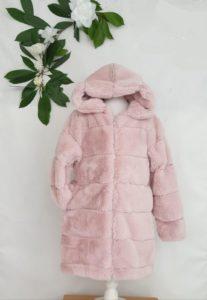 Manteau fourrure rose 35 euros