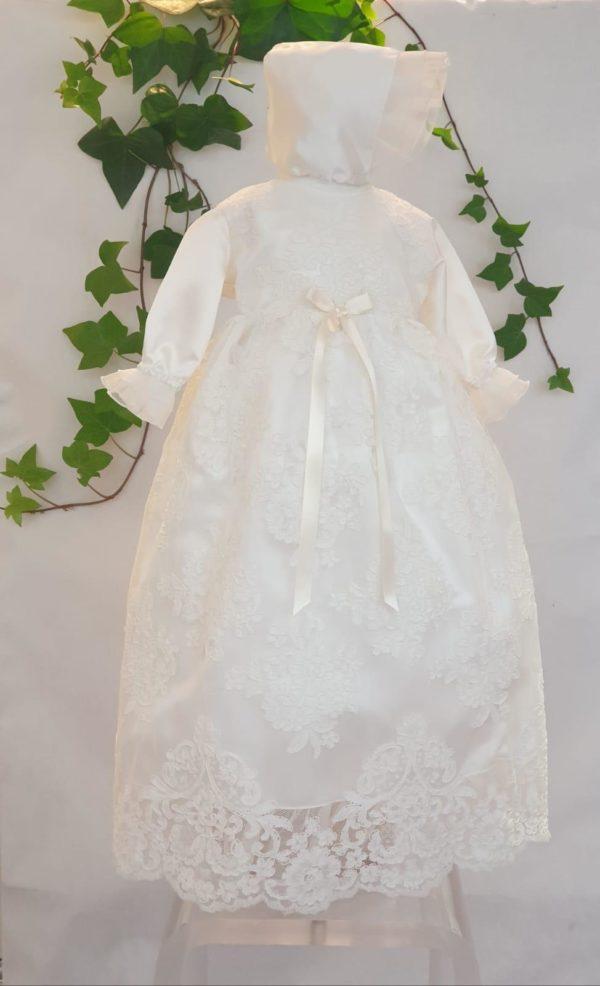 Robe de bapteme longue fany 125 euro robe de bapteme en dentelle blanc cassé doublée en coton cette robe de bapteme est très belle et à un béguin assorti