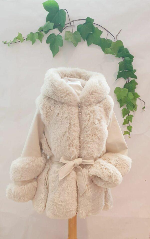 Manteau fille skate et fourrure blanc casse 59 euros