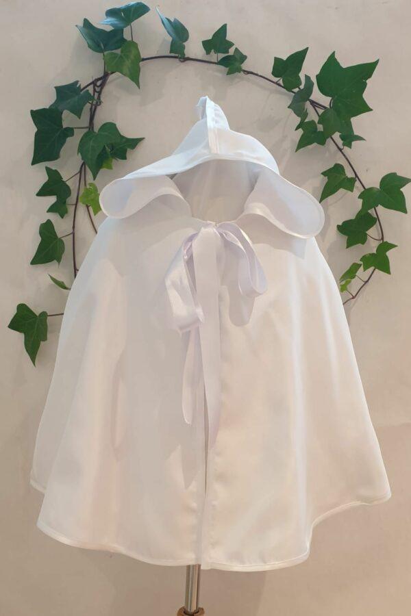 Cape piquée de coton blanc 45 euros doublée coton fabriquée dans nos ateliers parisiens